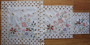 Lace - Grandi Flora - Doyley - Square  - 3 Sizes Available
