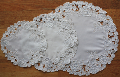 Lace - La Rose Blanche - Doyley - Oval - 3 sizes available